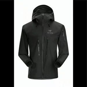 NWT ARC'TERYX Jacket Black size XL/TG